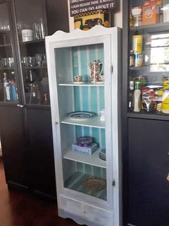Decorative Painting Display Cabinet